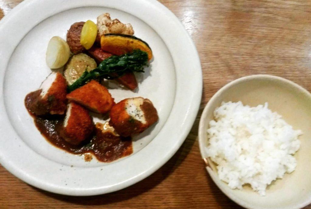 まちのシューレ963の晩ご飯八丁味噌ソース
