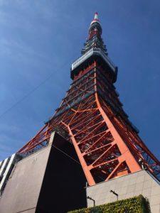 東京タワーを正面から撮影