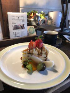 カフェ・ネストの苺のショートケーキ