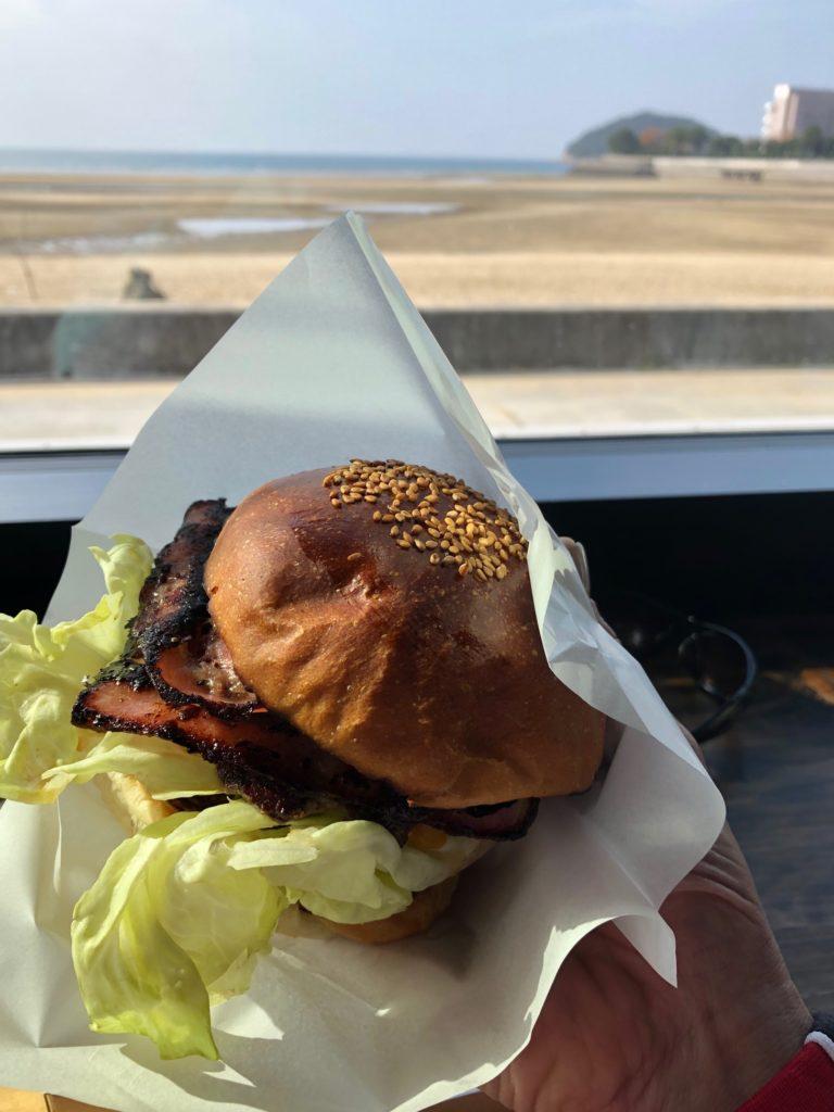 岡崎製パン所のハンバーガー