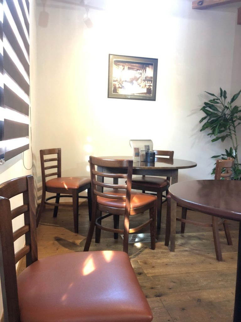「珈琲工房セピア」さんのテーブル席