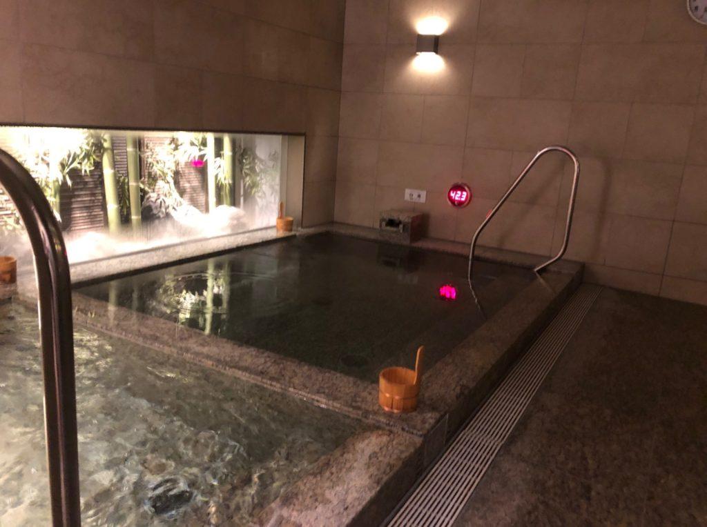 LOHAS赤坂の熱めの風呂