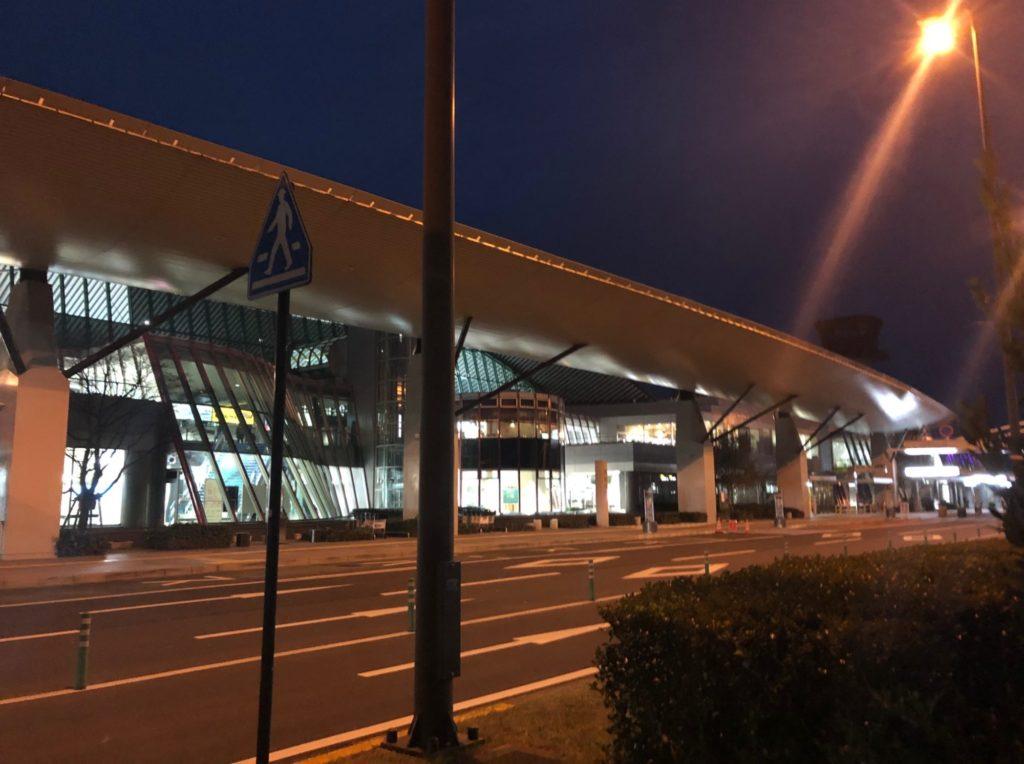 2019.01.17の高松空港の夜明け前