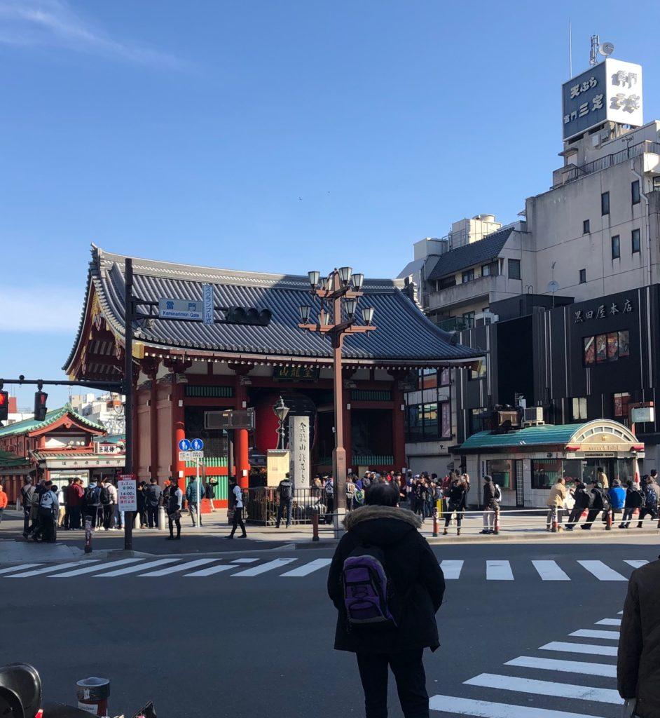 19/02/24浅草雷門の朝の風景