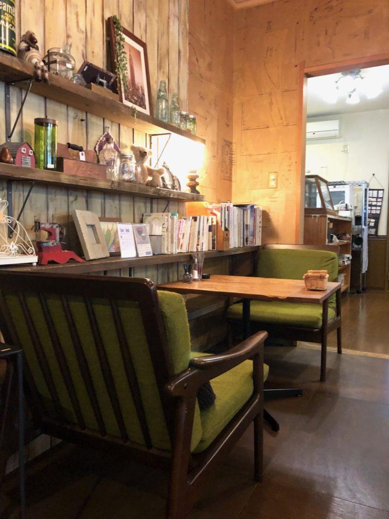 善通寺市のカフェ陶花のソファー席