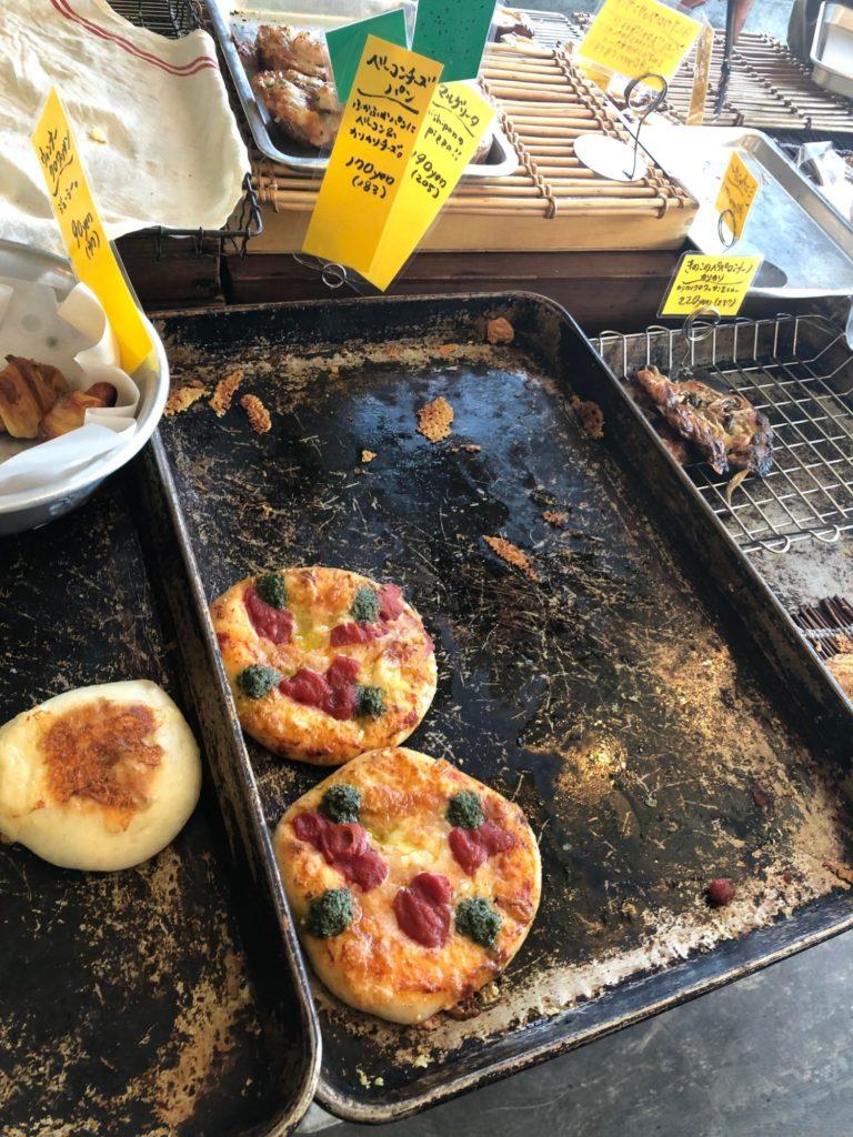 高松市のニシパンのピザパン