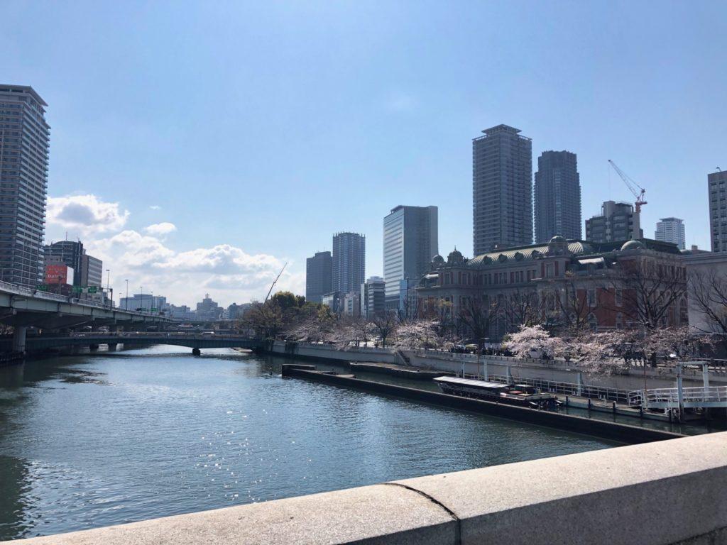 大阪の淀屋橋へ行く途中の橋